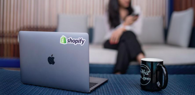 Shopify dropshipping featured image